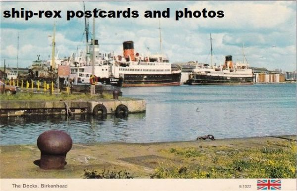 Birkenhead (Cheshire) the docks, postcard
